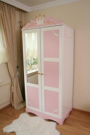 k nigliche kutsche bett f r kl prinzessin kinderbett. Black Bedroom Furniture Sets. Home Design Ideas