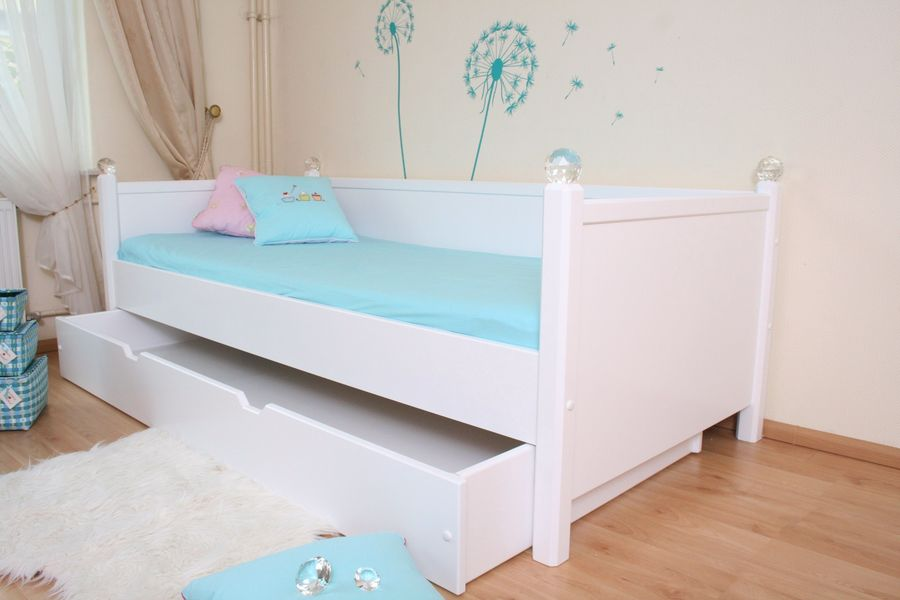 kinderbett kristallbett edition 4 wei oli niki. Black Bedroom Furniture Sets. Home Design Ideas