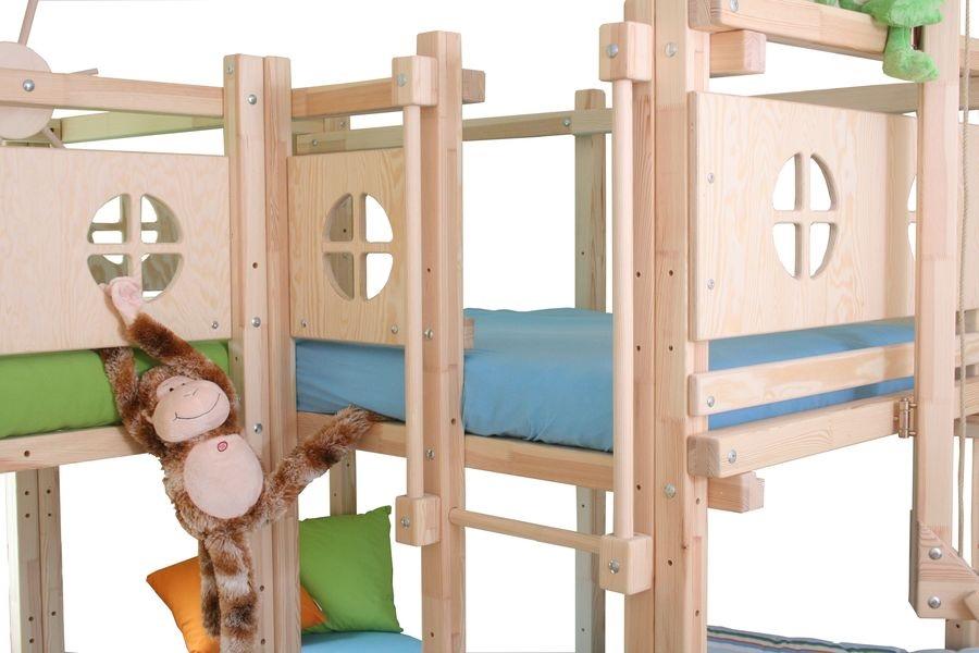 hochbett drei betten bei oli niki online bestellen. Black Bedroom Furniture Sets. Home Design Ideas