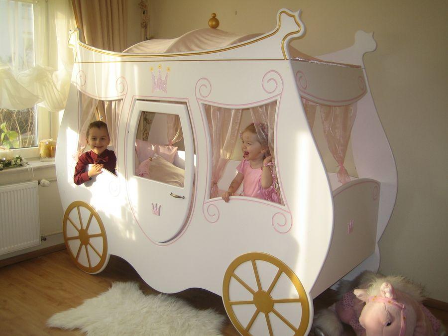 Kinderbett k nigliche kutsche geschlossen im shop von oli niki for Kinderbett baby
