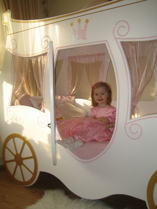 Kinderbett Königliche Kutsche geschlossen im Shop von Oli&Niki