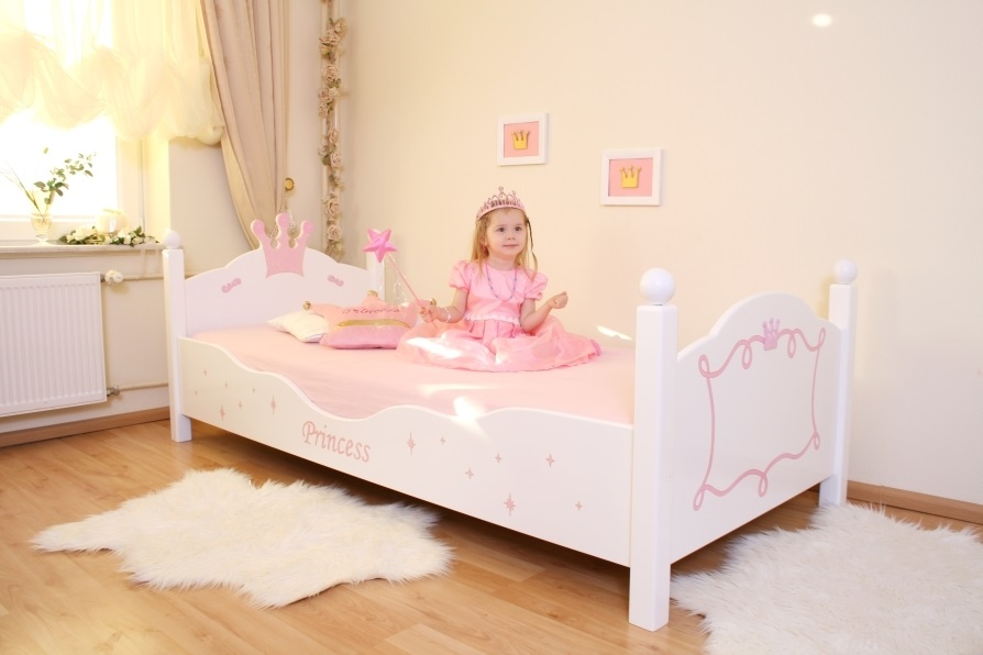 kinderbett prinzessin wei rosa im shop von oli niki. Black Bedroom Furniture Sets. Home Design Ideas