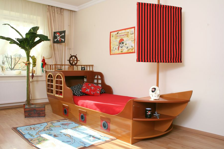 piratenschiff bett oli niki. Black Bedroom Furniture Sets. Home Design Ideas
