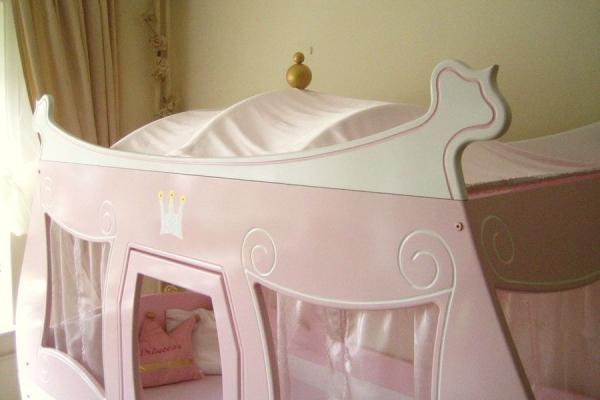 k nigliche kutsche bett bei oli niki online bestellen. Black Bedroom Furniture Sets. Home Design Ideas